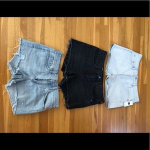 Set of 3 Gap denim shorts.